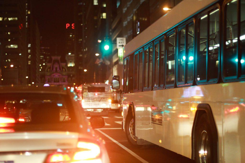 Zrušenie alebo meškanie autobusu. Kompenzáciu jednoduchšie získate pri diaľkových linkách